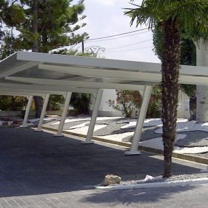Marquesina aparcamiento empresa Valencia pintada en blanco